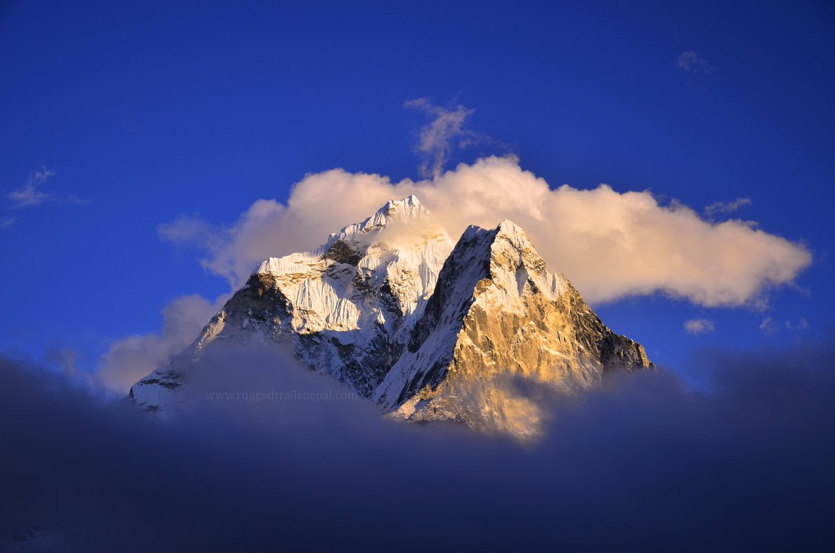 One of the most pretty mountain peaks in the world Mt. Amadablam. Everest Base Camp and #Amadablam base camp trek. #Nepal #everestbasecamptrek #travel #mountains #trekkinginnepal #ruggedtrailsnepal #visitnepal2020 https://www.ruggedtrailsnepal.com/everest-base-camp-trekking.html…