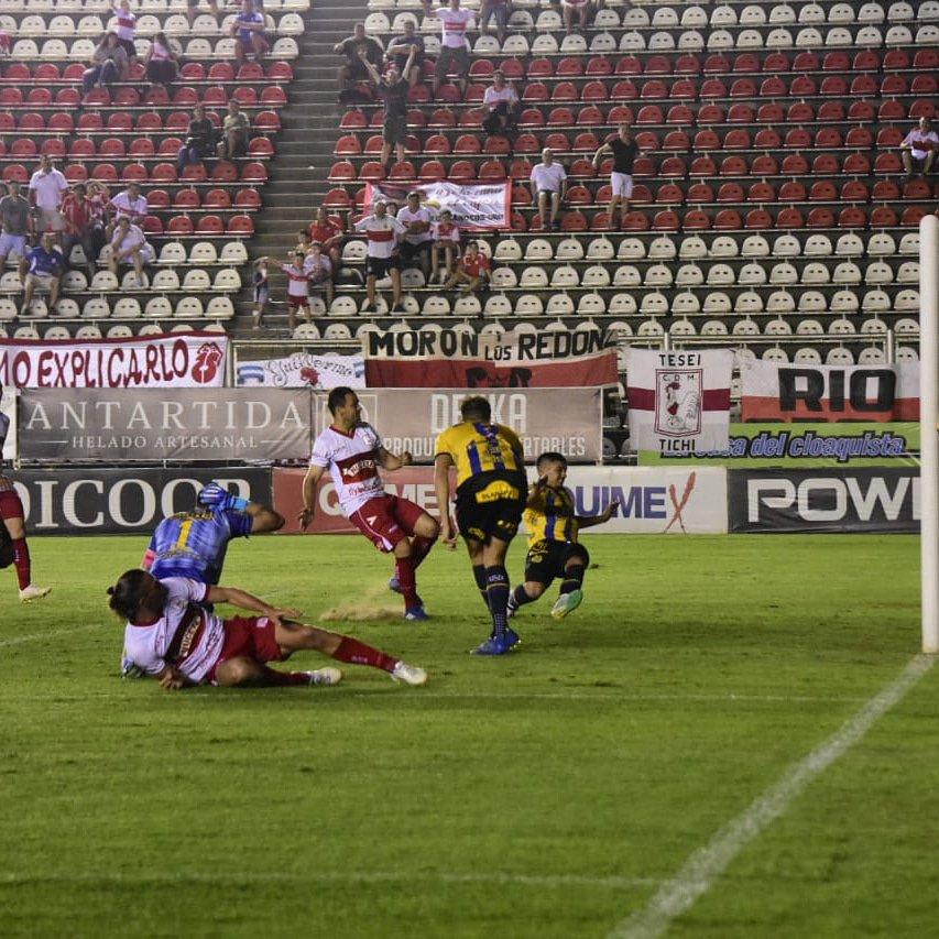 Deportivo Moron 1 Atlanta 0 - Primera Nacional 2019/20 (Fecha 13) - Vídeo EJyHdJhW4AAA6oC