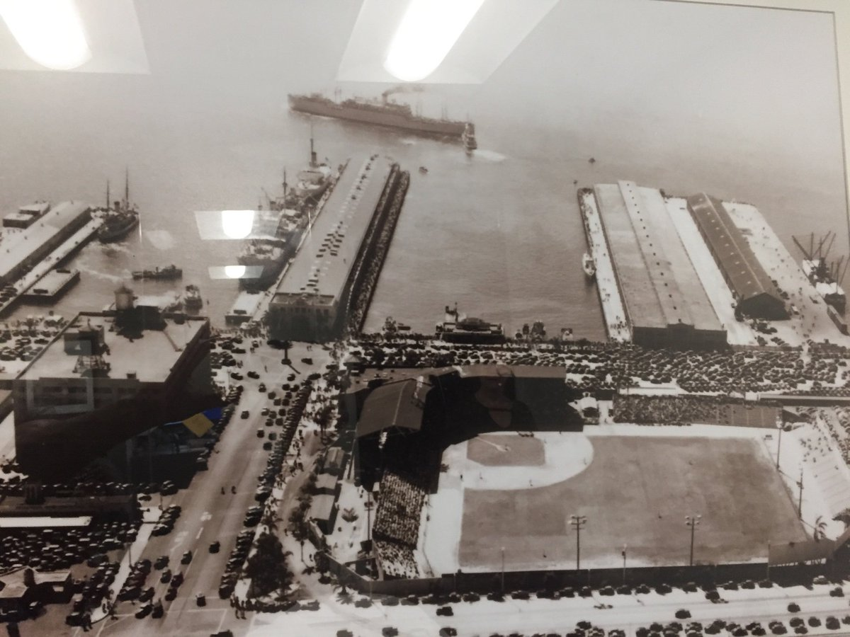 During our last Great Depression  The port was a space for impoverished y homeless  First  #DownTownBallPark  #HomelessSpaces  #SanDiego