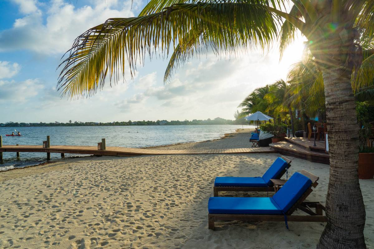 test Twitter Media - Are you dreaming about sandy beaches? Start planning today and book your villa on the beach in Belize! Discover Maya Beach on Your Placencia Belize Vacation: https://t.co/g1vpFJV2t5  #Belize #UltimateBelizeBucketList #BelizeTravel https://t.co/RWqojX0QNe