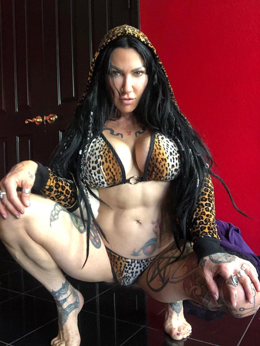 The beast is in me. 🐆🧟♀️ #Jenhexxx #witch #leopardprint #fitgirl #footfettish #feetpic #darkgoddess #Dancer #INK #tattoo #Gypsy #animal  #Lover