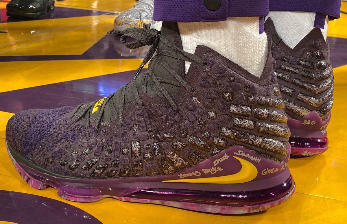 Tonight's Nike LeBron 17 for @KingJames!  #NBAKicks #LakeShow