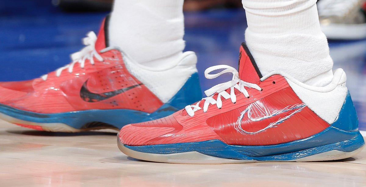Buddy's Kobe 5s tonight!   #NBAKicks #SacramentoProud
