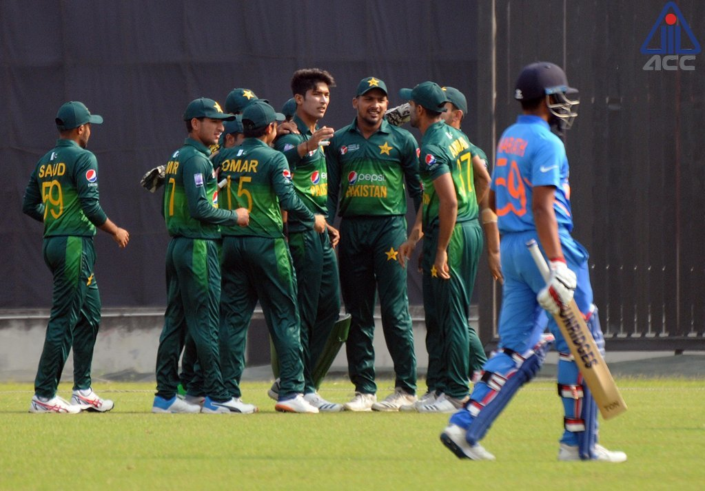 Pakistan [267/7] beat India [264/8] by 3 runs to qualify for final of ACC Emerging Teams Asia Cup