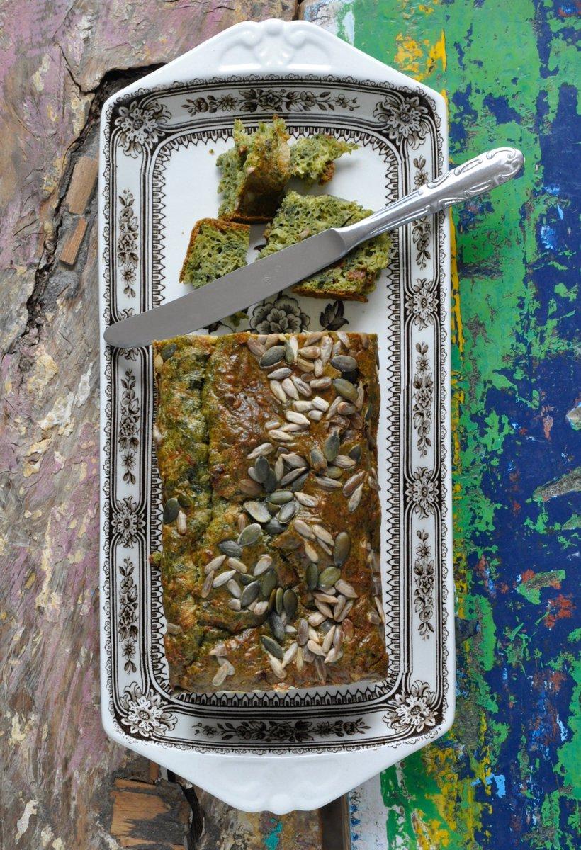 Mājās cepta maize ar diļļu garšu - pievieno Latplanta dilles mīklai un dekorē ar saulespuķu sēklām.   Sarunas vērti mirkļi! https://t.co/eTBc09TFWG