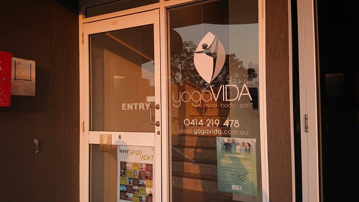 test ツイッターメディア - オーストラリアに来てます。ムルラバという街のYOGA VIDAというスタジオで陰ヨガを受けました。 言葉はわからないけど、ヨガはヨガ。気持ち良かった。滞在中は、いろんなスタジオへ行ってみます。明日はゴールドコーストへ移動です。 https://t.co/g8MDBZQf3S