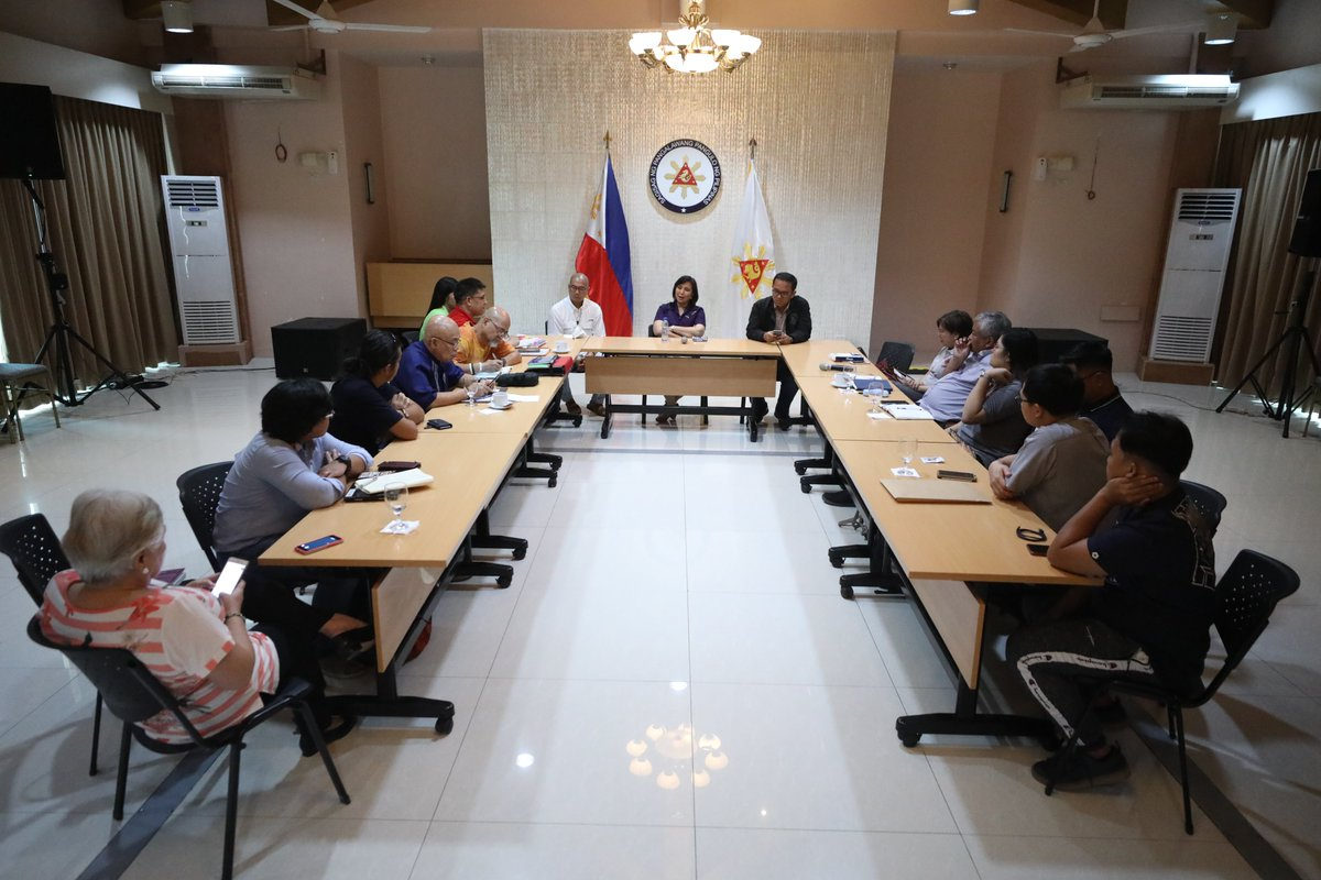 LOOK: Vice President Leni Robredo met with representatives of church groups and Laiko on Wednesday, November 20, 2019, to discuss various initiatives that can be undertaken in relation to the country's campaign against illegal drugs. 📷Jay Ganzon/OVP