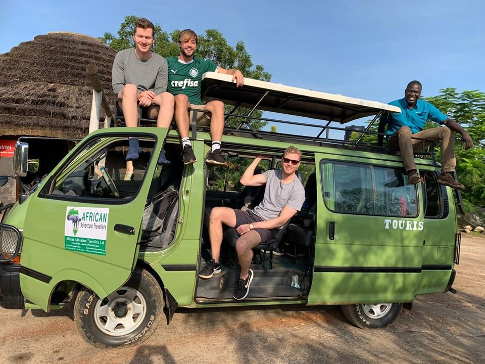 Do you ever stop to have memories on your safari? Have fascinating adventures with our professional tour guides with a click. #ugandasafaris, #wildlifesafarisuganda, #thepearlofafrica. #Email us at: tours@adventure-travellers.com OR #WhatApp: +256782118037 https://t.co/dE9Wr1pJtl https://t.co/QrnRvYSu8V