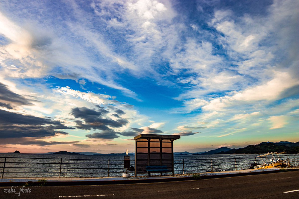 バス停のある風景