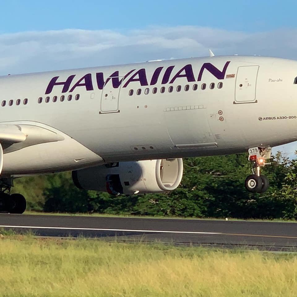 Hawaiian Air & Talofa airways TEAM! Assisting doctors, medical supplies & help from Honolulu in Apia, Samoa. Aloha & alofa really do go hand in hand. The spirit of giving, helping & serving is in the air. Samoa mo Samoa.  Service above self. #MeaslesEpidemic #PolyUnity<br>http://pic.twitter.com/orvxbll1Qz