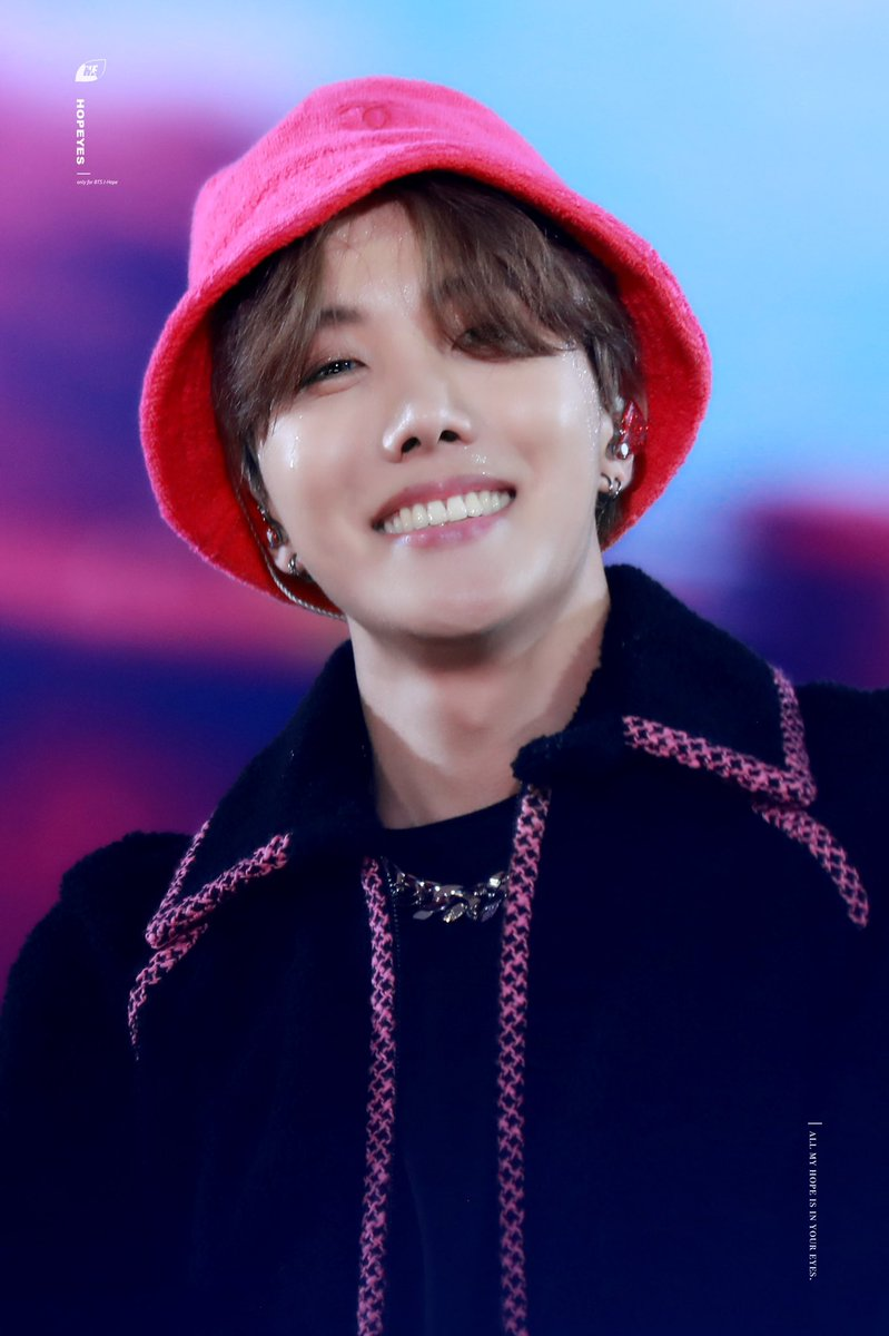 Hoseokie and his eyes  No one tuch me, I'm soft <br>http://pic.twitter.com/9zDNUnvY6a