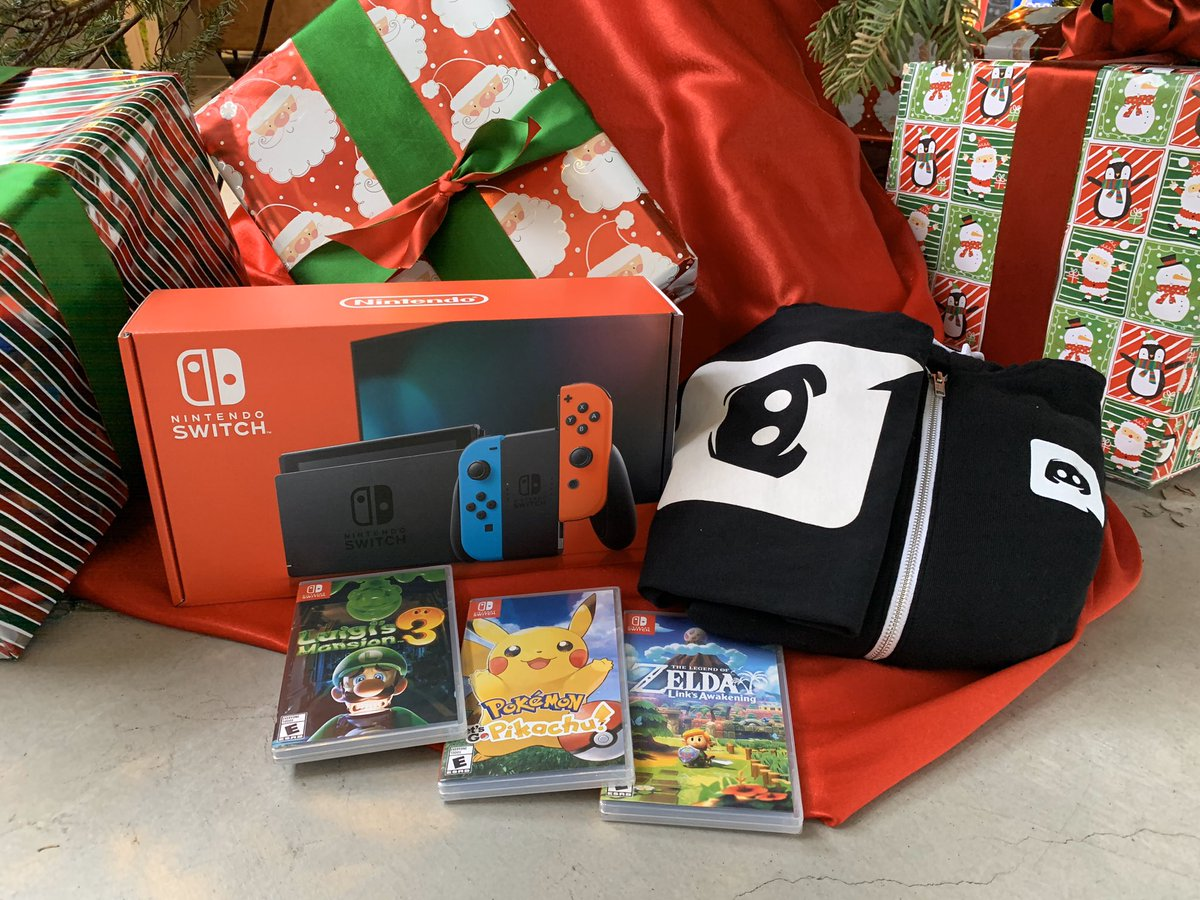 we found this weird looking gamecube and some games along with a cozy discord hoodie and t-shirt to keep you warm this snowsgiving season like and retweet for a chance to win all of these goodies