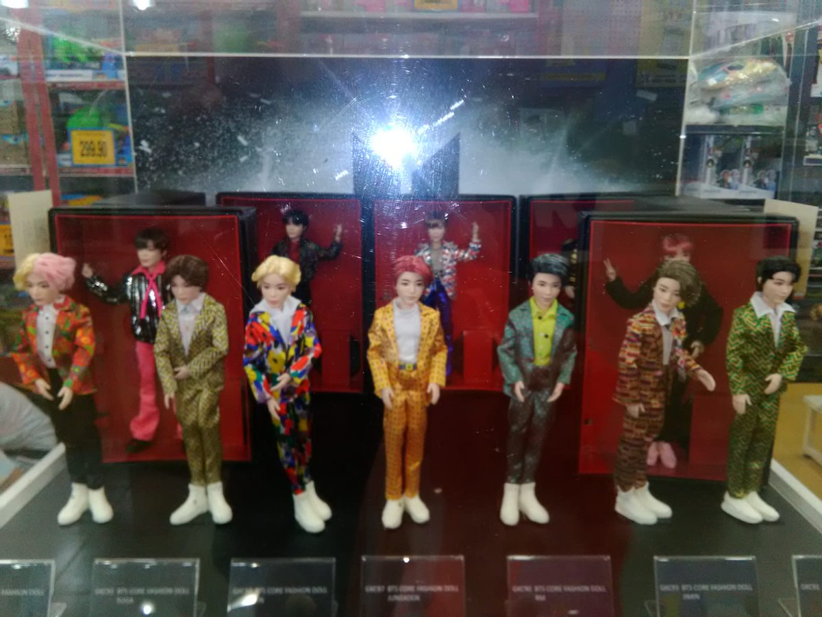 My sister is in Malaysia at the moment and she saw these boys in a shop window   BTSxMattel <br>http://pic.twitter.com/RDy7QKKW74