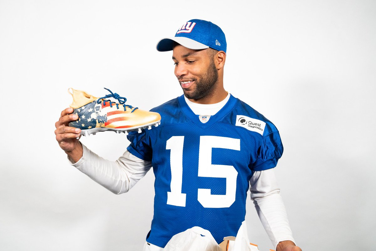 Our military will always be close to my heart. That's why my wife and I started our @GoldenFutureFDN. We can never stop supporting their bravery, passion, and love for our country! Check out the link in my bio for more info & how you can get involved!  #proud #mycleatsmycause<br>http://pic.twitter.com/PUfVbPNvAd