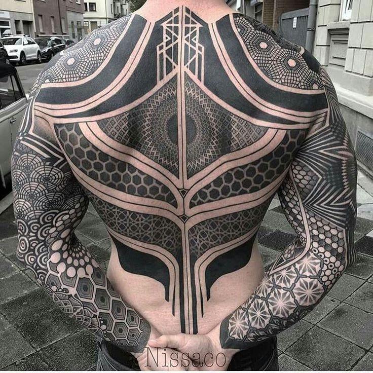 Bomba dövmeler....Erkek aslanlardan dövme şov 😆😆  #tattooed #tattoedmen #dövme #tattoos