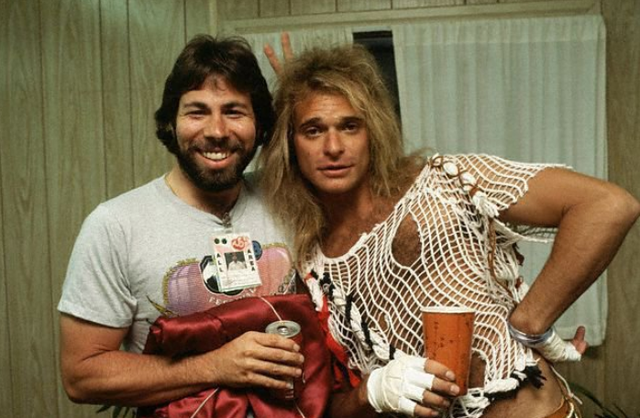 Apple Computer co-founder Steve Wozniak and David Lee Roth of Van Halen at the 1983 US Festival. <br>http://pic.twitter.com/V9lC0zMxV2