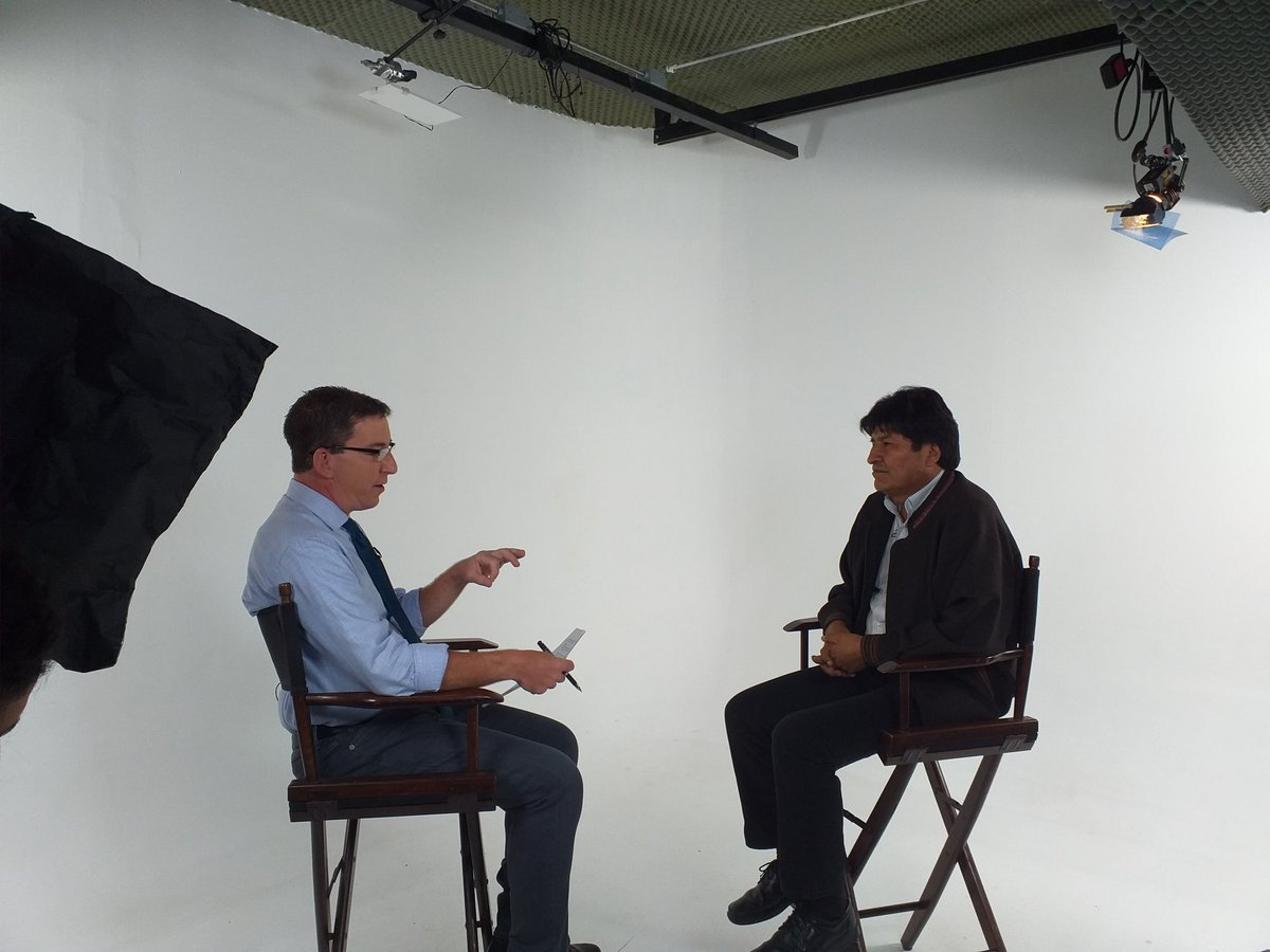 I sat down today with Bolivian President Evo Morales in Mexico City for a wide-ranging interview about his removal, the U.S., Bolsonaro and Latin America. The video - in English, Portuguese and Spanish - will be on @theintercept shortly:<br>http://pic.twitter.com/QB1pj78wGp
