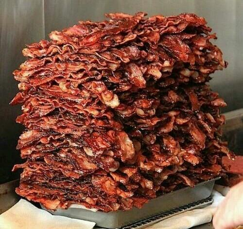 """#SillyReasonsToArgue How much is """"too much bacon""""... (hint: there's never too much...) <br>http://pic.twitter.com/E85tL7Qgl3"""