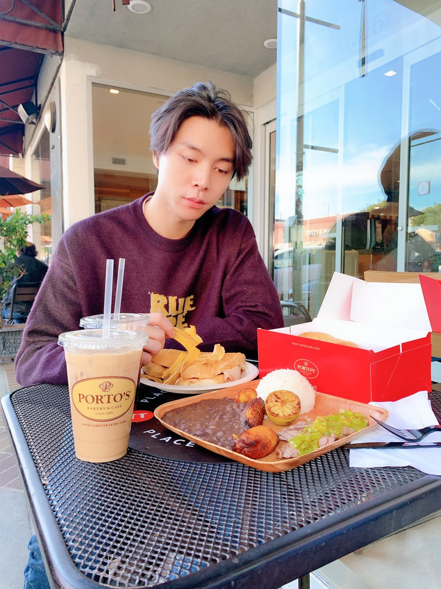 Afternoon lunch  #NCT #NCT127 #JOHNNY<br>http://pic.twitter.com/wcFaRHic1h