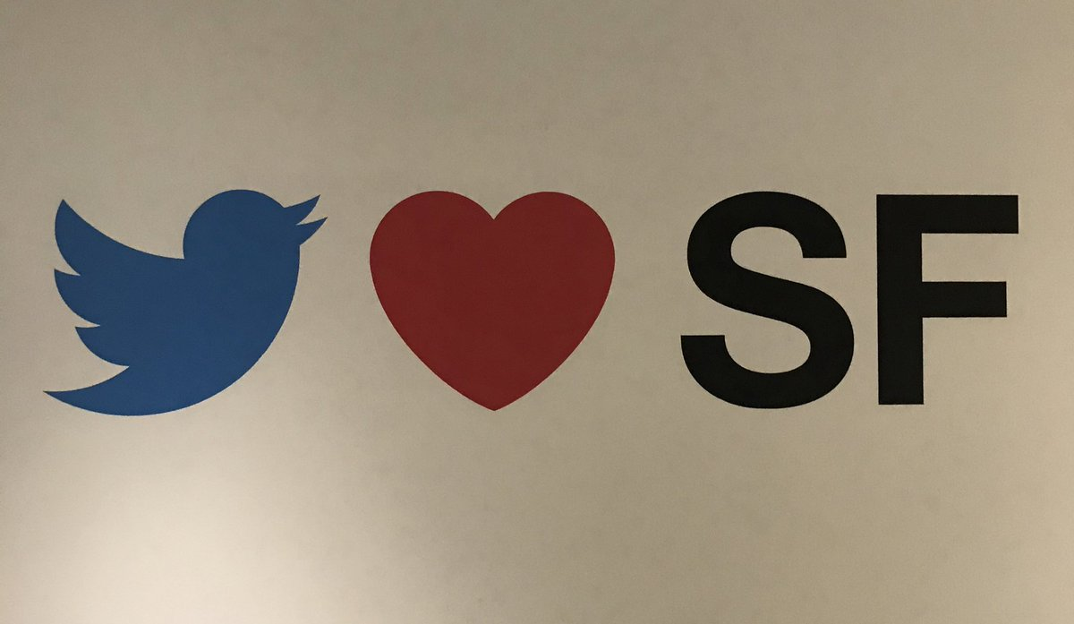 I  literally feel happy and lucky to work at Twitter #Dec2NewHires Too much fun 😍😍#NHODay1
