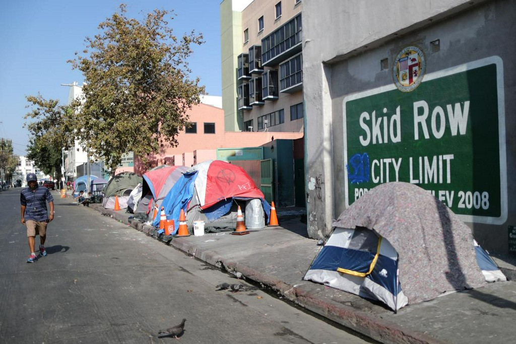 Top Los Angeles homeless official steps down as crisis deepens https://reut.rs/2YeAgns