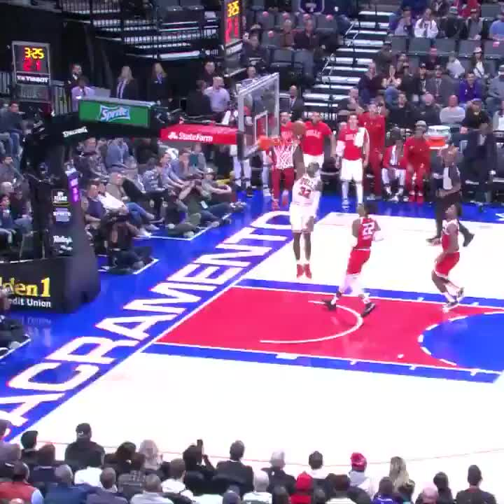 Bulls defense ➡️ offense 👏  #BullsNation https://t.co/J7yTz34Fqv