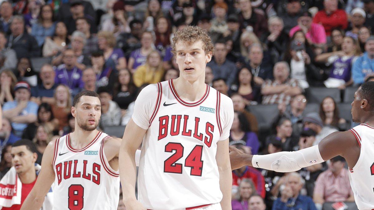The @chicagobulls lead at the half on @NBATV!  #BullsNation 55 #SacramentoProud 44  Lauri Markkanen: 11 PTS (3 3PM), 4 REB Nemanja Bjelica: 11 PTS, 7 REB