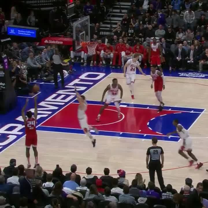 Kings 👏 Ball 👏 Movement! 👏  #SacramentoProud https://t.co/H3SD93gUdg