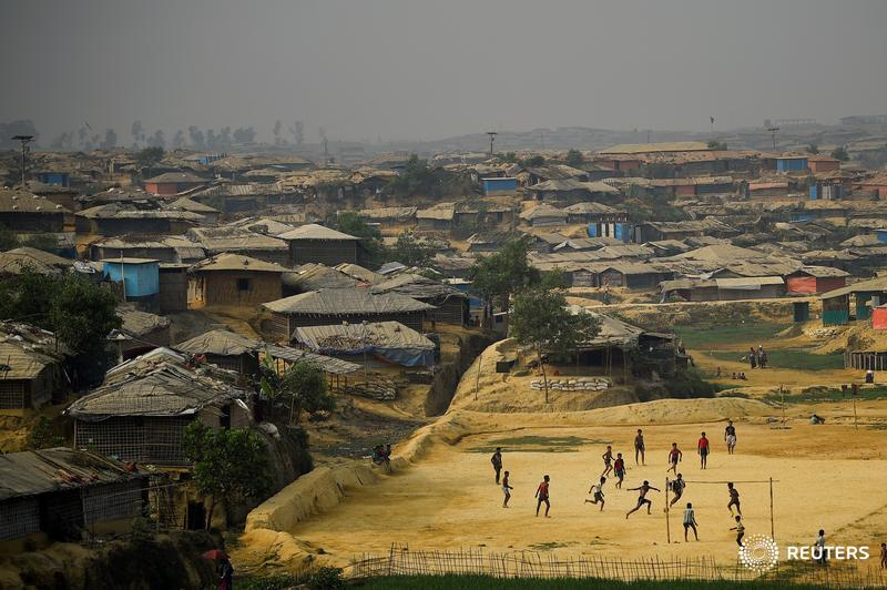 Human Rights Watch says Bangladesh is blocking hundreds of thousands of Rohingya children,  who have fled Myanmar and are currently living in the Cox's Bazaar refugee camps, from accessing meaningful education https://reut.rs/2qdlDnC by @thuttag