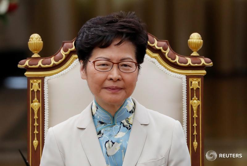 Hong Kong leader Carrie Lam warns U.S. legislation supporting protesters may damage business confidence, promises economic relief https://reut.rs/2P2ra92  by @noah_sin @clarejim