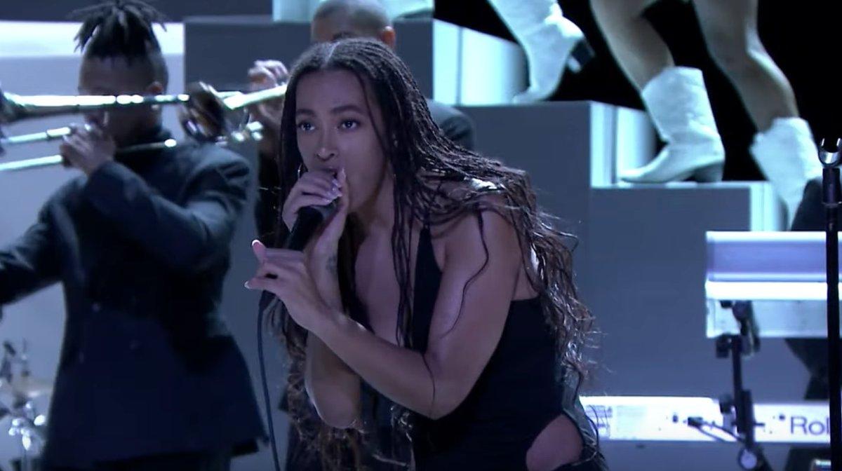 Watch Solange perform a dynamic When I Get Home album medley on #FallonTonight rol.st/2DCQ0qI
