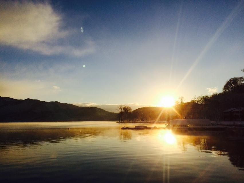 年末年始イベントやります!カウトダウンと共にヴィヒタでお客様の身体を叩き、翌朝は初日の出を野尻湖に入りながら拝む。という誰もこなそうなハードなイベントやります。誰もこなかったら、1人で寂しく年を越します。詳細はこちら→