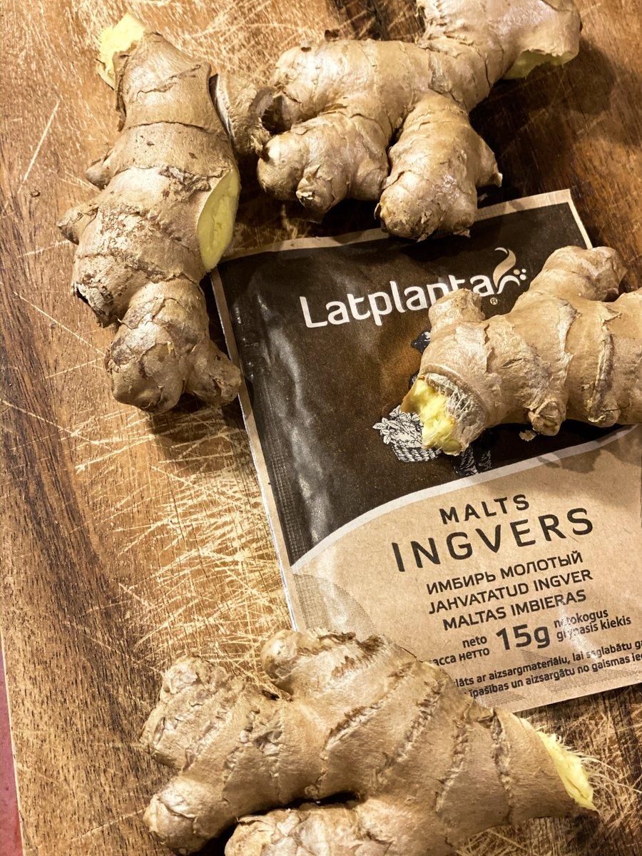 Ingvers ir aromātisks, un tam piemīt nedaudz asa, pikanta un viegli dedzinoša garša. Ar vērtīgo vielu sastāvu ingvers ir tuvs ķiplokam, tikai bez specifiskās smaržas. Tāpat kā ķiploks, ingvers iznīcina mikrobus un paaugstina organisma imunitāti. https://t.co/4Ut9BA1juY
