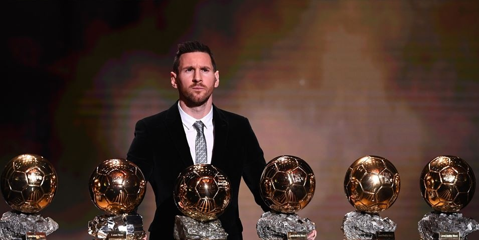 Don't let anyone tell you that Messi didn't deserve to win this Ballon d'Or :  • Goals 54 • Assists 23 • Champions League Topscorer • La Liga Topscorer  • European Golden Boot • Pichichi Trophy • La Liga Best Player • UEFA Forward of The Year • FIFA The Best •  #Messi