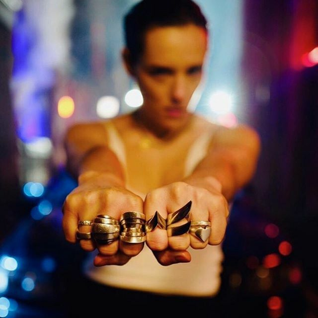So. F*ckin. Good. @JehnnyBeth made a new video with @antobyrne75 for I'M THE MAN and it's out today. Strong jewels for a strong woman. HM. #JehnnyBeth #ImTheMan #CoolAsFuck #NowThatsWhatICallARingStack 📷 @antobyrne75 on set in Manchester https://t.co/3oMRHFipv2