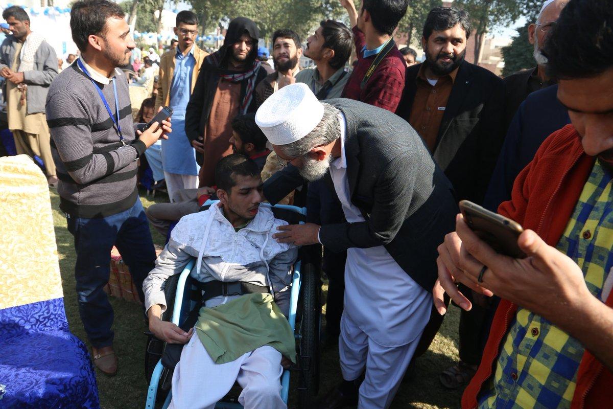 لاہور- جماعت اسلامی کے مرکزمنصورہ میں معذوروں کے عالمی دن کے موقع پر باہمت افراد کےلیے تقریب کا انعقاد کیا گیا۔ امیر جماعت اسلامی سینیٹر سراج الحق تقریب کے میزبان تھے۔ #InternationalDisabilityDay