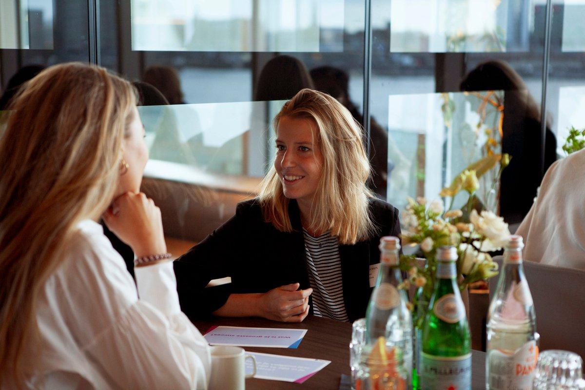 Afgelopen vrijdag organiseerden we de 2e editie van het 'PayPal Women in eCommerce Event', een inspirerende ontbijtsessie voor vrouwen in ecommerce.  Een succesvolle dag die invulling gaf aan twee van PayPal's belangrijke pijlers: innovatie en diversiteit. Op naar editie #3! https://t.co/XMqDXFlkob