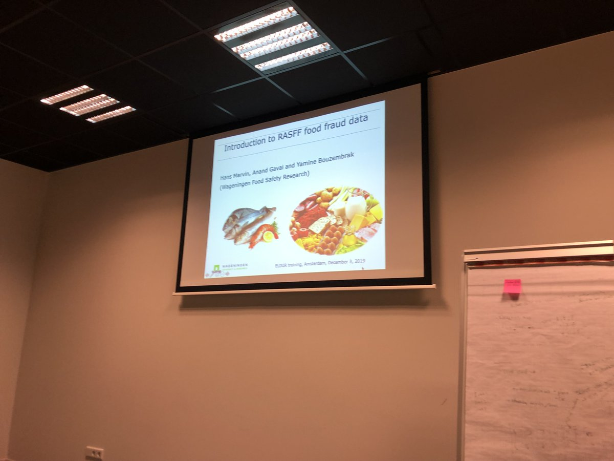 Hans Marvin from @WUR introducing Food Fraud Data and the RASFF portal as a prelude to our hands-on session. @ELIXIRNL @DTL_nl #datastewardship course @ELIXIREurope https://t.co/2Mc1X2M5JI