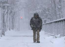 左 関東の人のいう吹雪 右 北海道の人のいう吹雪