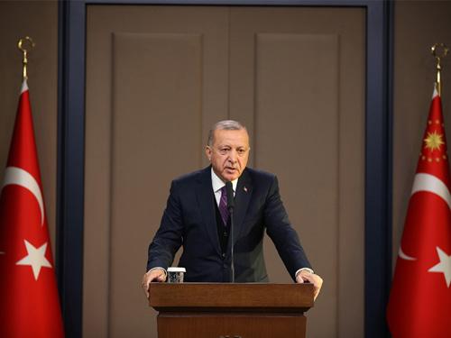 Cumhurbaşkanı Erdoğan #NATO 'nun 70. yıl dönümü için gerçekleşen İngiltere zirvesine gitmeden önce Esenboğa Havalimanında gazetecilerin  sorularını yanıtladı.https://nutukdergisi.blogspot.com/2019/12/cumhurbaskan-erdogan-nato-zirvesi.html…#NATOLondon #natosummit #Turkey