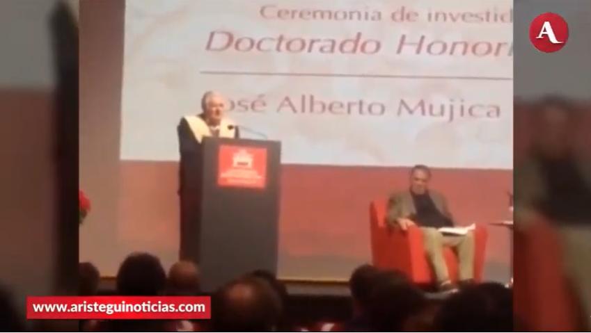 Ayer lunes, José Alberto Mujica estuvo en la Universidad Iberoamericana para recibir un Doctorado Honoris Causa, y Gustavo Sánchez Benítez detalla lo que dijo durante su discurso #AristeguiEnVivo 👉http://ow.ly/bmCq30pYGd8
