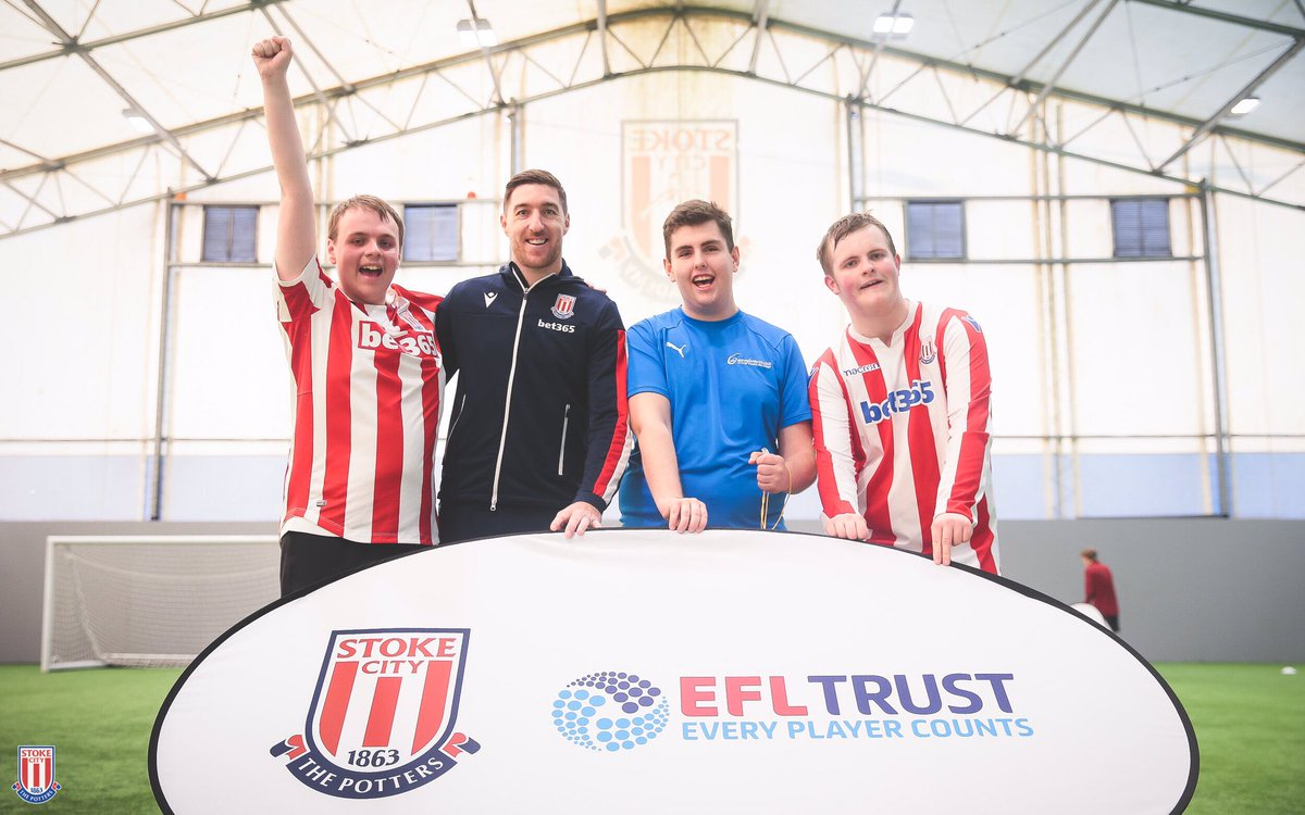 🔴⚪️ Stephen Ward was on hand to take part in today's session and help launch #EveryPlayerCounts project with the Community Trust. For further information contact community@stokecityfc.com #EFLDayOfDisability