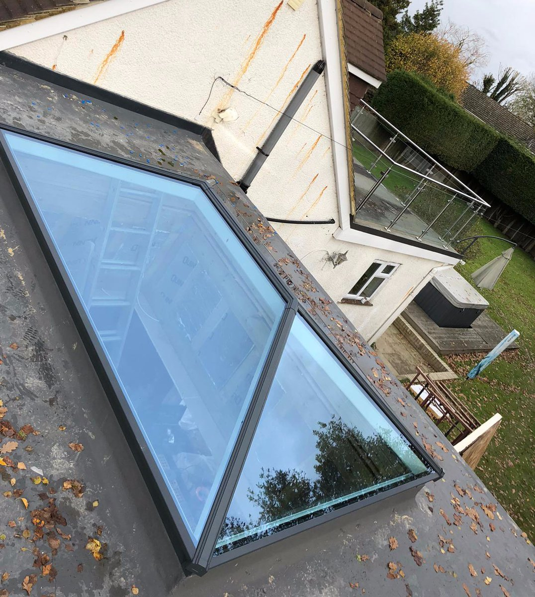Express Skylights On Twitter Installation Finished Ready For Christmas Celebration In This New Extension Flooded With Natural Light Thanks To The Korniche Lantern Korniche Skylights Lantern Christmasready Https T Co P3dlzteie1