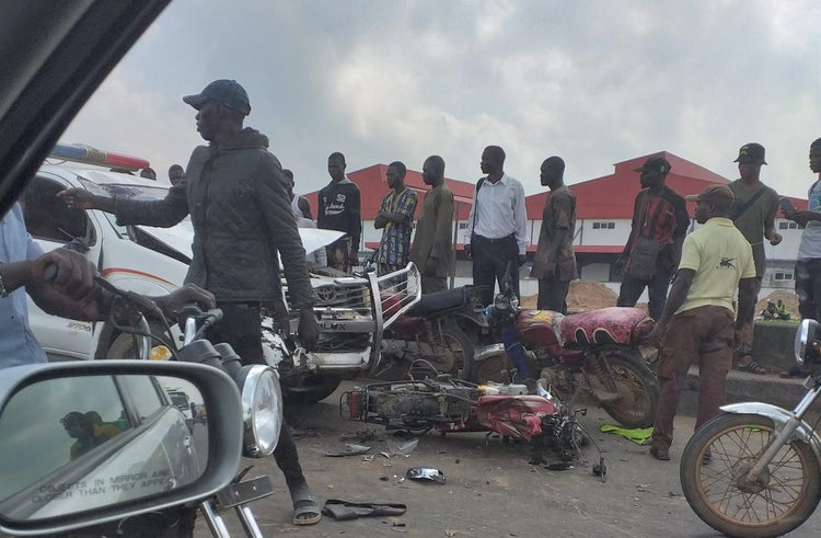 Tanker driver, assistant report selves to police after crushing two to death in Ogun bit.ly/2rUywTX