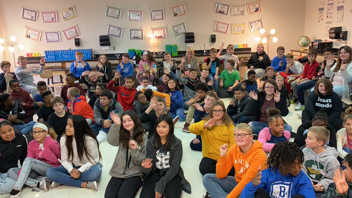 Talking weather with the 6th graders at Joseph Shafer Middle School in Gallatin. See their video on News4 at 6pm. @wsmv #tnwx #STEM
