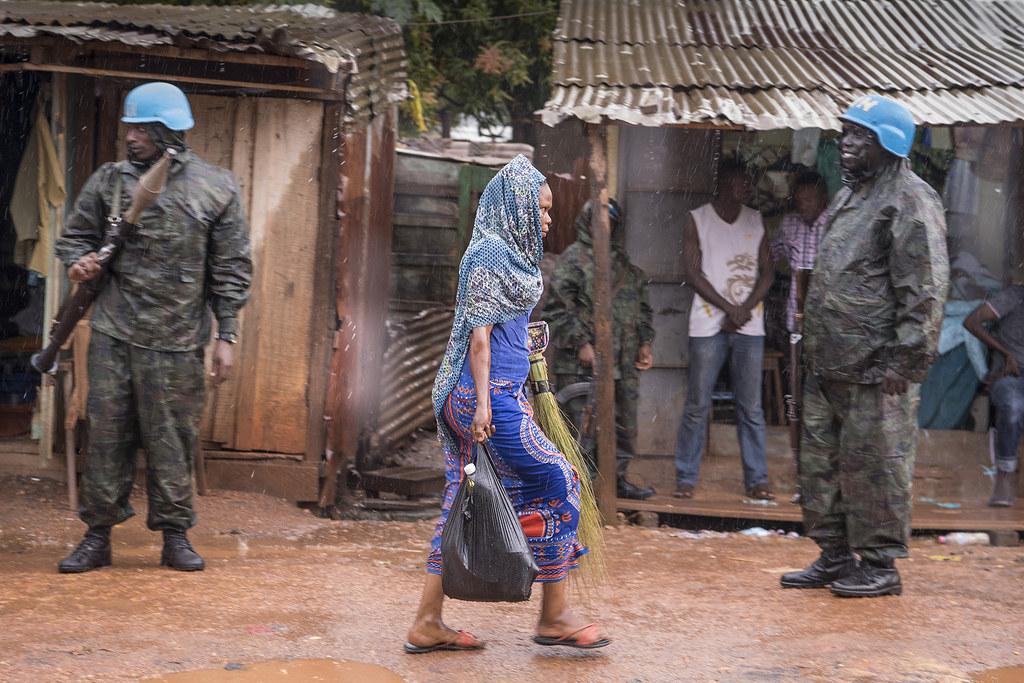 Al abordar el #AbusoSexual por personal de las misiones de paz ⏩ la política de tolerancia cero de NNUU ha llevado a un incremento de denuncias de casos, pero no a su reducción.  ♀️ Ellas denuncian más ¿crees que es cierto? #MeToo  #YoSiTeCreo #DPKO #CAR  https://t.co/IjCViKngeJ https://t.co/W0fIFTuDvJ