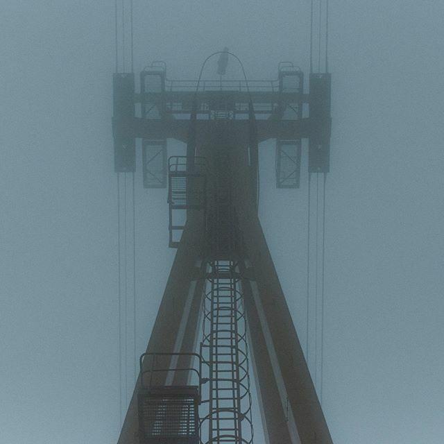 Die Nebeltour geht weiter. Eins hab ich noch.  #erzgebirge #erzgebirge_erleben #lift #fog #weihnachten #roamtheplanet #moody #neblig #roamgermany #dezember #nebel #germanroamers #canon #lightroom #ilike #mood #november2019 #1advent #herbst #adventszeit #… https://ift.tt/382Il2Ypic.twitter.com/JxXHHxkvLW