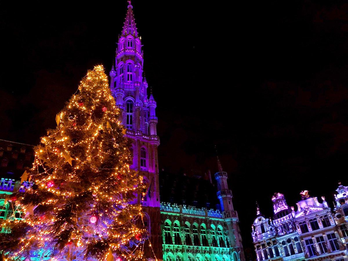 Grand Place #brussels <br>http://pic.twitter.com/dmSPnQheXk