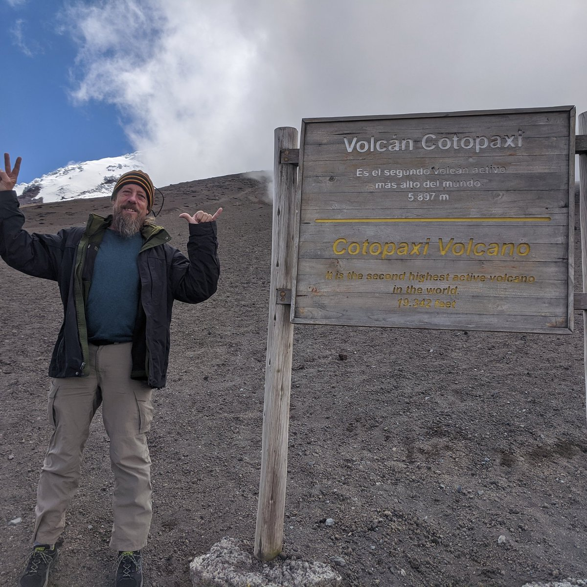 Visited Cotopaxi the world's second most tall volcano. Spending winter near the Equator. #Ecuador<br>http://pic.twitter.com/EYn9MARYSn