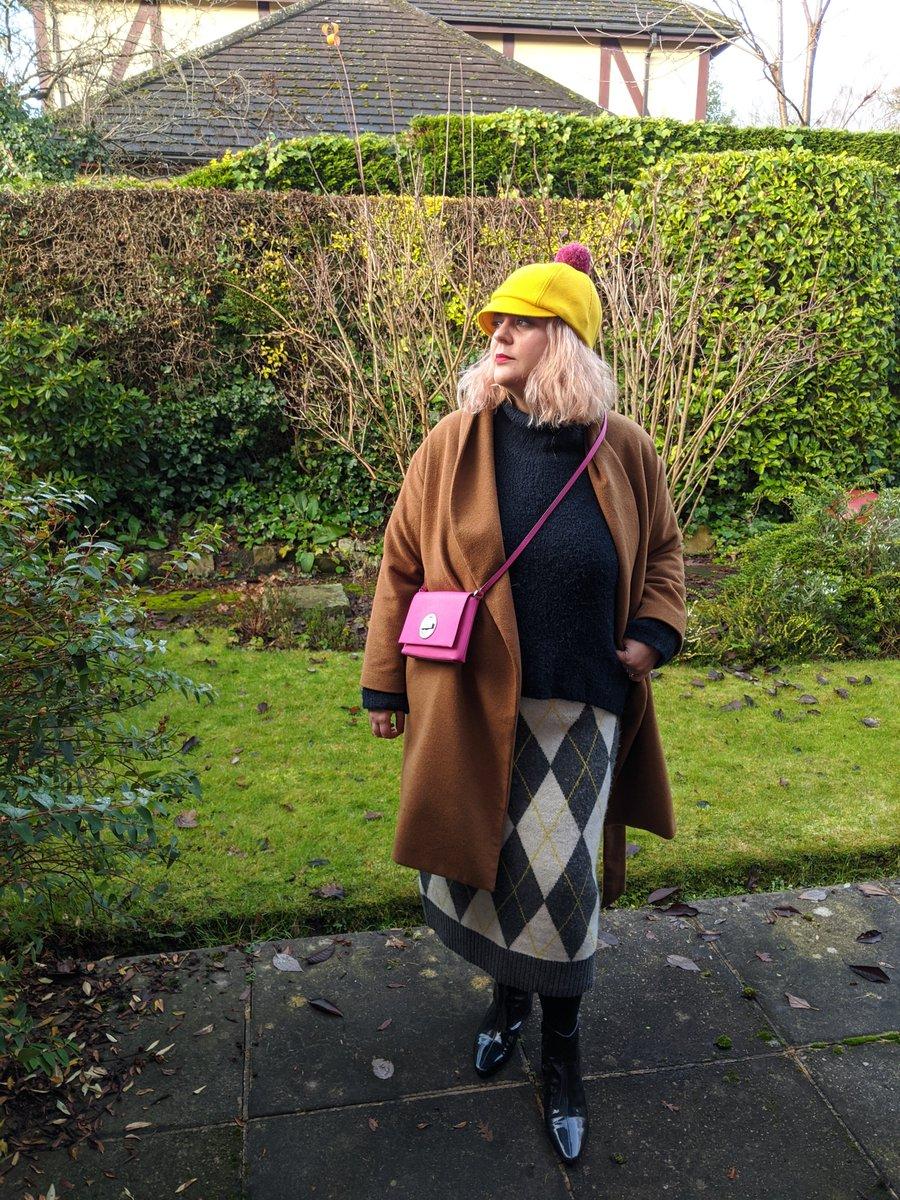 Trusting the hype featuring @hm @marksandspencer @katespadeny #costo #BONNE #psblogger #plussizeblogger #fbloggers #plussizestyle #pringleofscotlandxhm #jacquardknitskirt #jumper #anklebootshttp://bonnemode.com/jacquard-knit-skirt/…